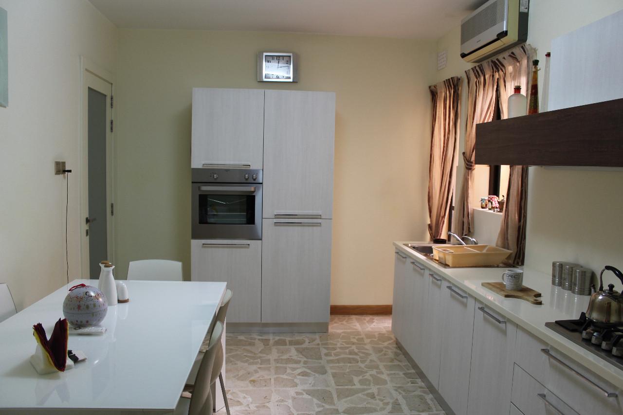 L-Iklin Gr Floor Maisonette P000205888